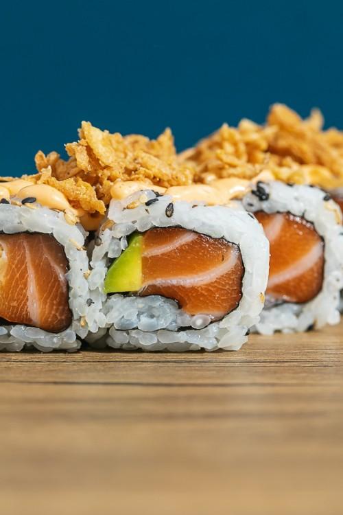 Cruncy Salmon Roll